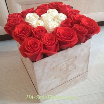 Buy Flowers in a box Abundance cheap with delivery to Kiev and Ukraine