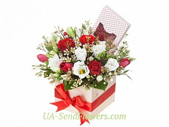 Buy Composition of Flowers for the beloved and cute cheap with delivery to Kiev and Ukraine