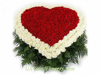 Buy Flower arrangement eternal affection cheap with delivery to Kiev and Ukraine