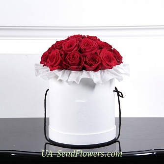 Buy Flowers in box Monaco cheap with delivery to Kiev and Ukraine