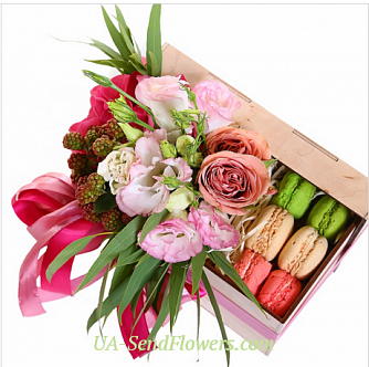 Buy Flowers in a box From Paris with love cheap with delivery to Kiev and Ukraine