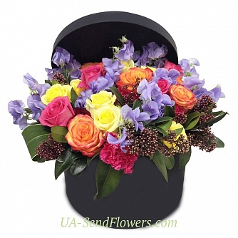 Buy Flowers in a box Aura cheap with delivery to Kiev and Ukraine