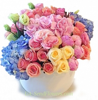 Buy Flowers in a box Charm cheap with delivery to Kiev and Ukraine