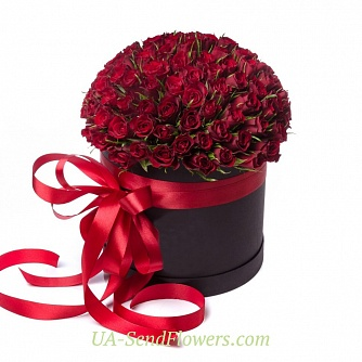 Buy Flowers in box 101 red rose cheap with delivery to Kiev and Ukraine