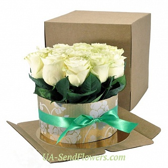 Buy Flowers in a box cake of 15 white roses cheap with delivery to Kiev and Ukraine