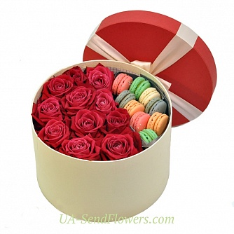 Buy Flowers in box Hot box cheap with delivery to Kiev and Ukraine
