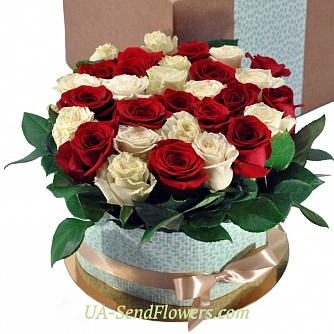 Buy Flowers in a box Red and white cheap with delivery to Kiev and Ukraine
