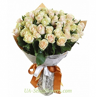 Buy Bouquet of 35 cream-colored roses cheap with delivery to Kiev and Ukraine