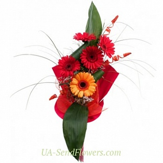 Buy Spring bouquet on the doorstep cheap with delivery to Kiev and Ukraine