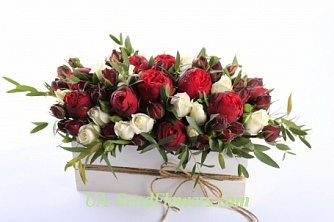 Buy Composition of flowers Luxury cheap with delivery to Kiev and Ukraine