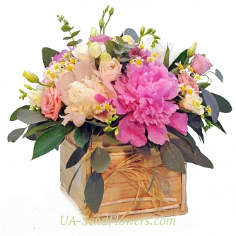 Buy Flowers in the drawer Sensual Peony cheap with delivery to Kiev and Ukraine