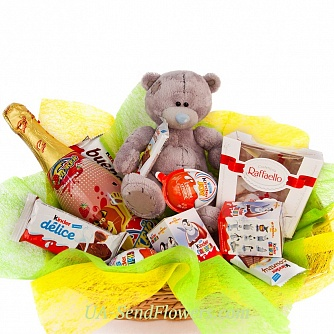 Buy Gift basket Sweet table cheap with delivery to Kiev and Ukraine