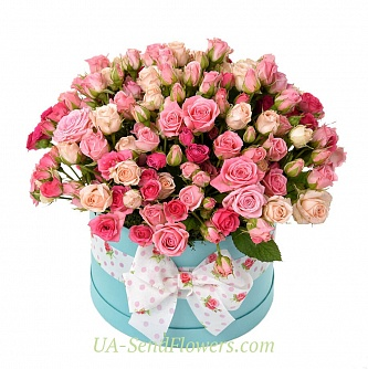 Buy Flowers in a box Flamingo cheap with delivery to Kiev and Ukraine