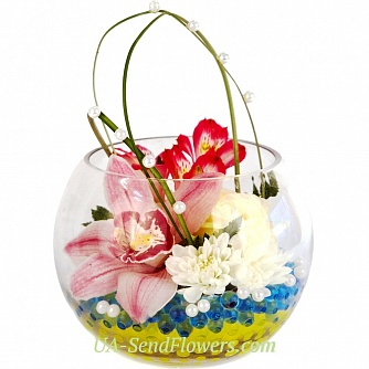 Buy Composition of flowers Pearl dream cheap with delivery to Kiev and Ukraine