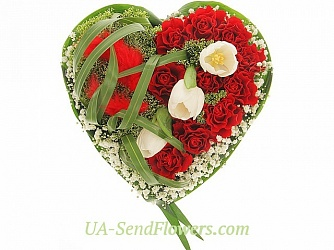 Buy Flower arrangement Passion Rose cheap with delivery to Kiev and Ukraine