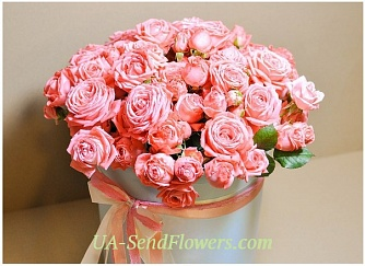 Buy Flowers in a box Love adventure cheap with delivery to Kiev and Ukraine