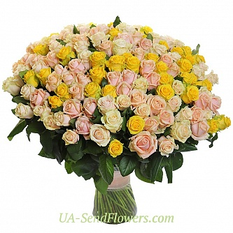 Buy Basket of flowers 151 creamy-yellow rose cheap with delivery to Kiev and Ukraine