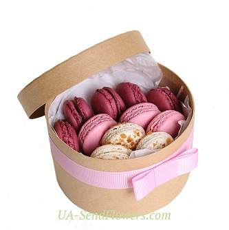 Buy Creamy Raspberry compliment Macarone cheap with delivery to Kiev and Ukraine