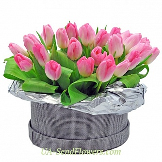 Buy Flowers in a box Exquisite Present cheap with delivery to Kiev and Ukraine