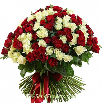 Buy Basket of flowers 201 red-white rose cheap with delivery to Kiev and Ukraine