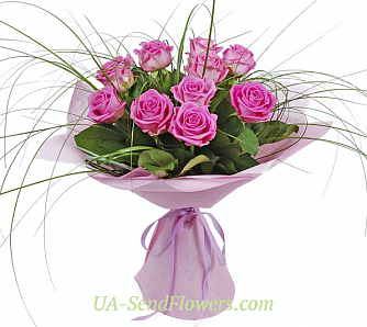 Buy Bouquet of 11 roses cheap with delivery to Kiev and Ukraine