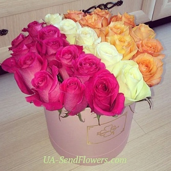 Buy Flowers in a box Two halves cheap with delivery to Kiev and Ukraine