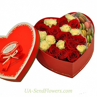 Buy Flowers in a box Sweet Love cheap with delivery to Kiev and Ukraine
