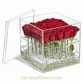 Flowers in an acrylic box Transparency feelings